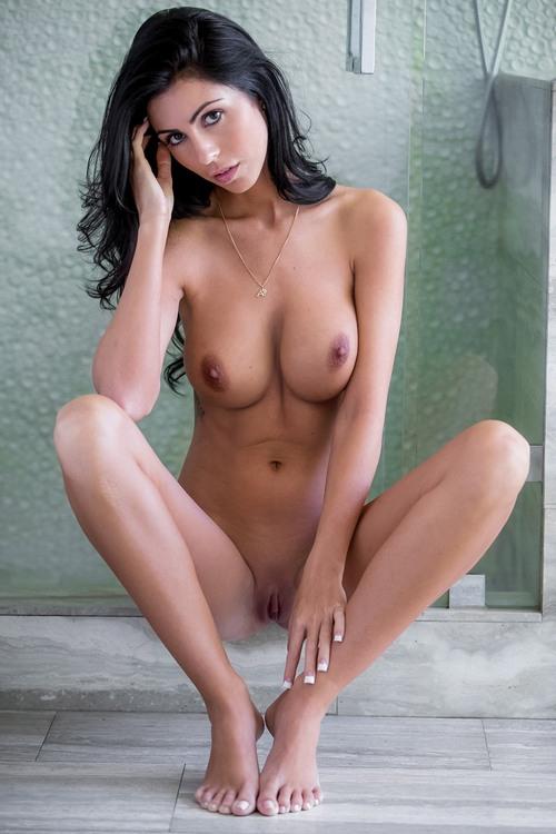 sexy-frau-mit-geilen-titten